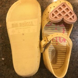 Mini Melissa Toddler Size 8 Waffle Heart Sandals